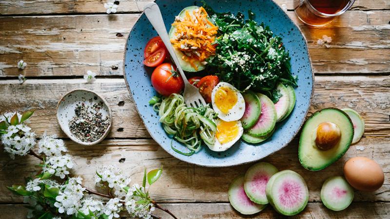 Cómo pedir comida a domicilio barata: ¡ahorra en tus cenas!